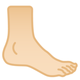 Foot: Light Skin Tone on Google Android 9.0